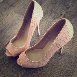 "Pink 5"" heels size 8 shoe dazzle"